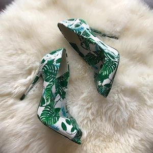 NWOB palm banana leaf peep toe stiletto heels 8!